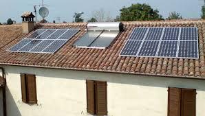 Questa immagine ha l'attributo alt vuoto; il nome del file è fotovoltaico-e-solare.jpg